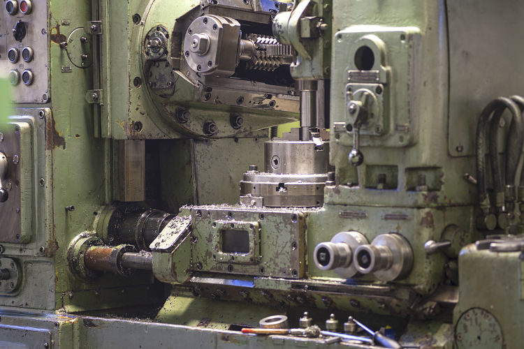machine-part-gears-milling-cnc-lathe-machi